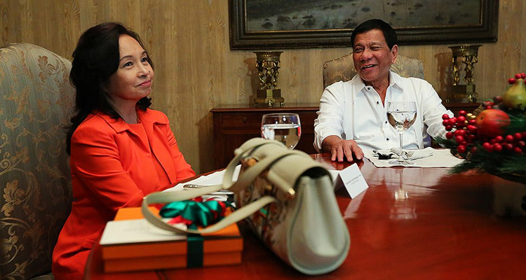 Photo of Arroyo and Duterte together