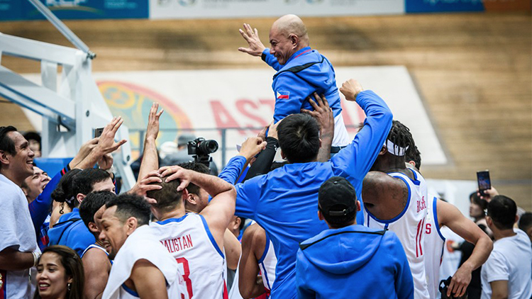 Gilas Pilipinas with their head coach Yeng Guiao