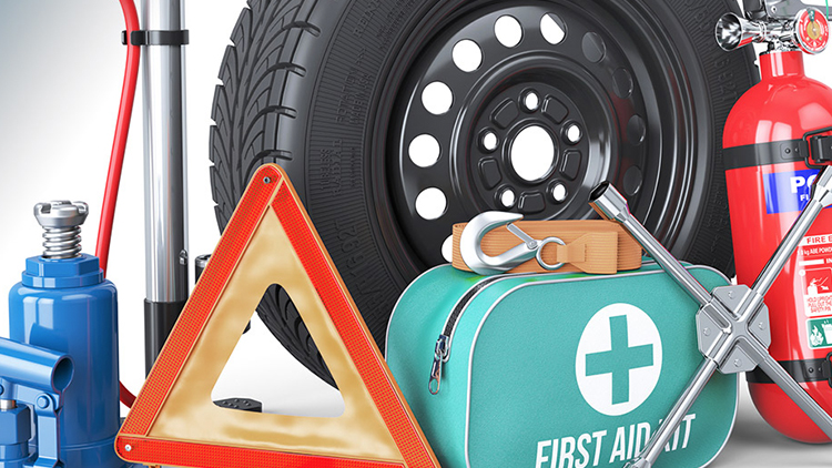 KEEP AN EMERGENCY KIT IN YOUR CAR