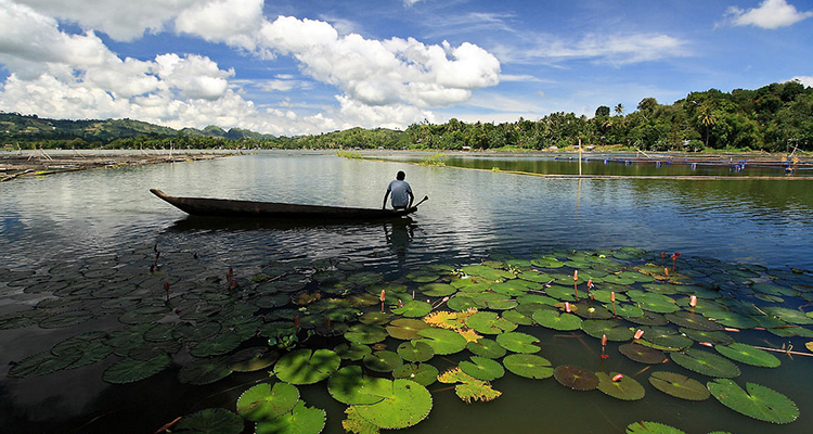 Go canoeing at Lake Sebu, South Cotabato