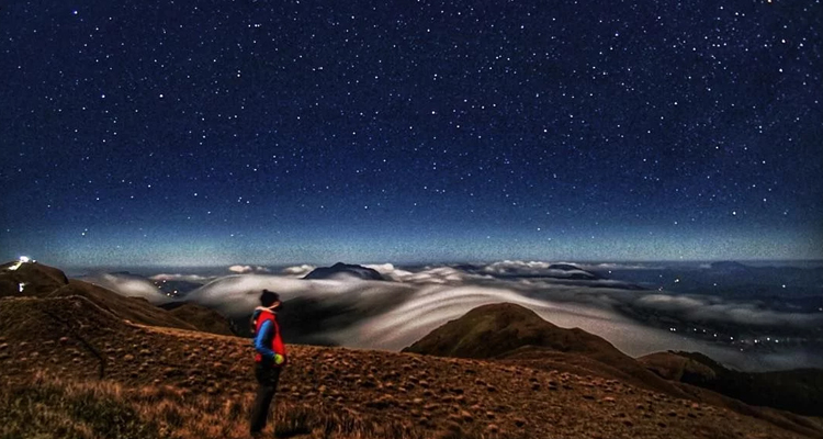Go stargazing at Mt Pulag