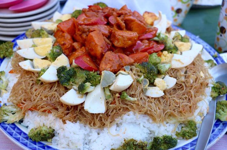 Pancit Spaghetti and Kanin