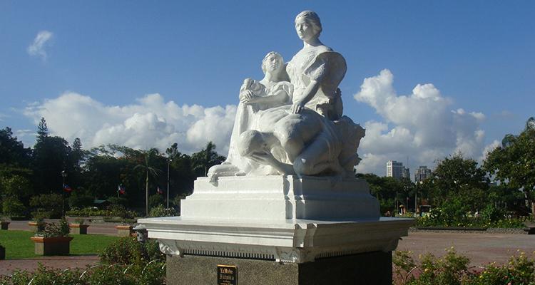 The Four La Madre Statues - Gratitude